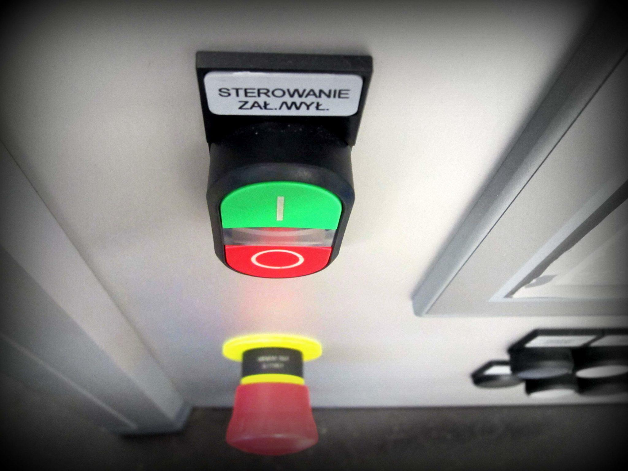 Czerwony przycisk zatrzymania